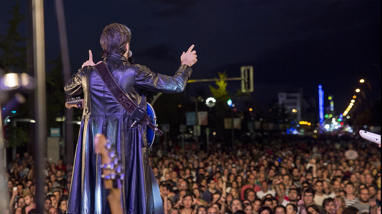 obeses amb arnau tordera al teatre condal de barcelona