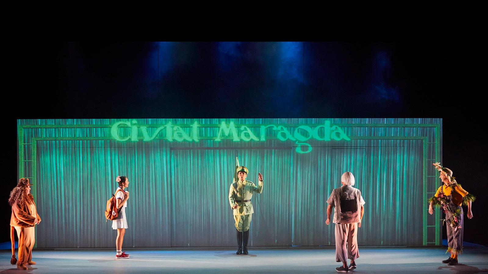 el magic d'oz al teatre condal de barcelona
